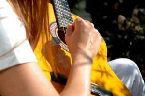 guitar-girl_2291276